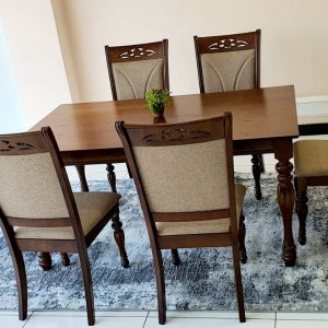 Leeds Dining Table
